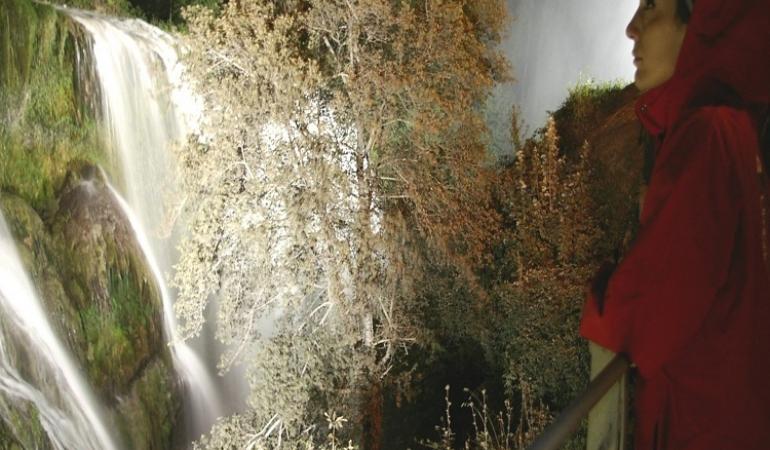 Di notte tra i sentieri della Cascata