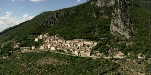 The village of Cesi